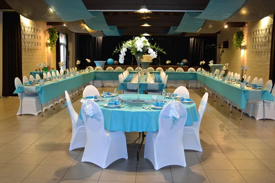 Grande Table Mange Debout : Salles les glycines pipaix